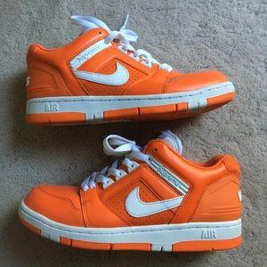 Supreme Nike Air Force 2 orange